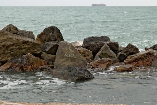 A transport ship on the sea horizon - MyVideoimage.com