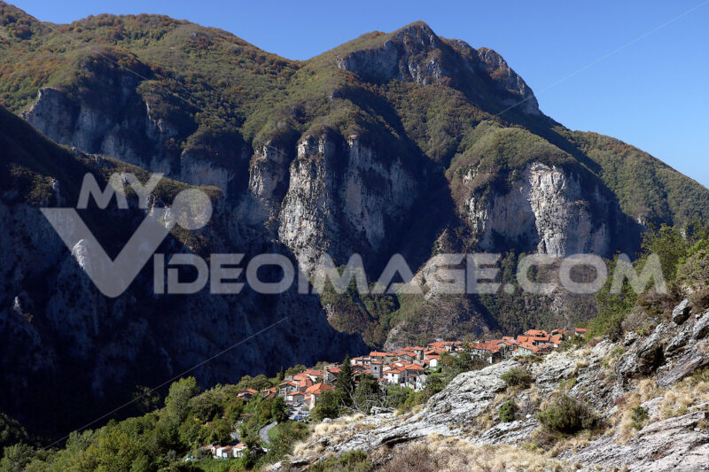 Alpi Apuane, Massa Carrara, Tuscany, Italy. Panoramic view of th - LEphotoart.com
