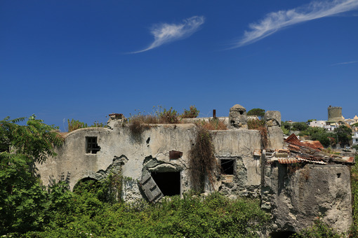 Ancient Mediterranean house in a state of degradation on the isl - MyVideoimage.com