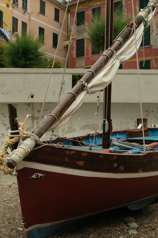 Ancient sailing boat on the beach of the village of Vernazza. Cinque Terre. - LEphotoart.com