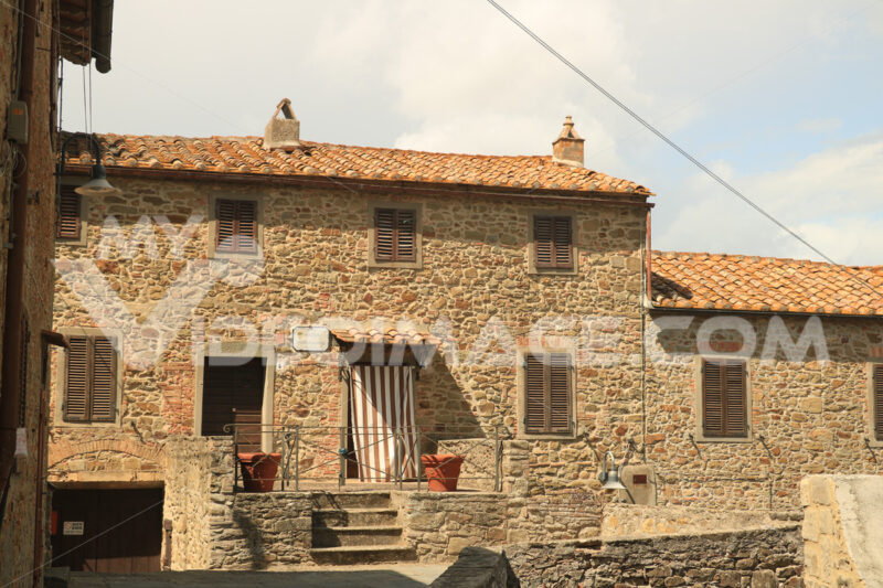 Ancient stone houses in the village of Pereta near Magliano in t - MyVideoimage.com
