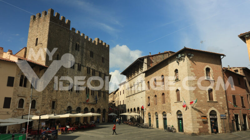 Ancient town hall in Piazza Garibaldi. The building dates back to medieval times and is made of stone. - MyVideoimage.com