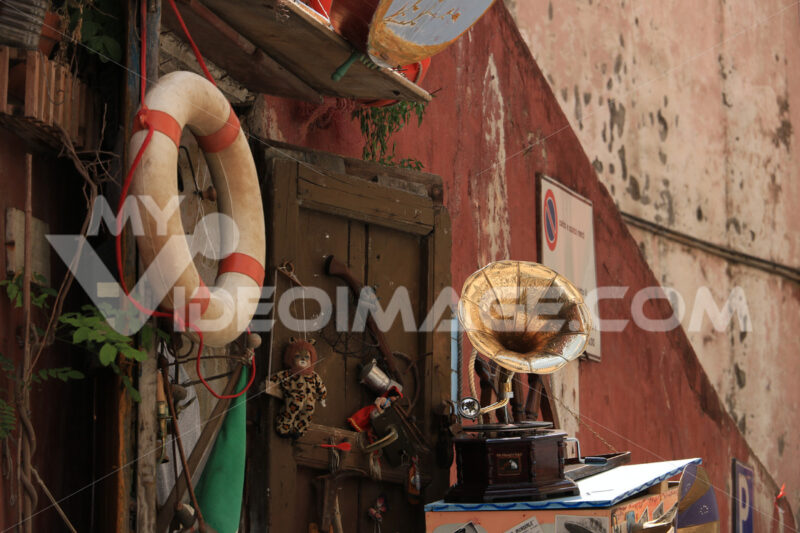 Antique shop. Antique shop in the village of Procida, near Naples. An ancient - MyVideoimage.com | Foto stock & Video footage