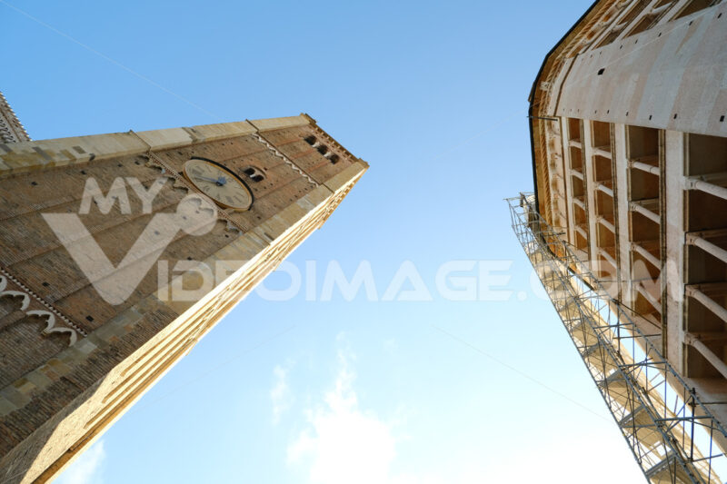 Baptistery of Parma and bell tower of the cathedral. Italian culture capital 2020. - MyVideoimage.com
