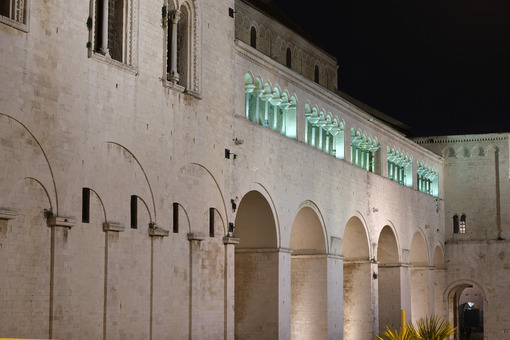 Basilica of San Nicola in Baril. Shooting with night light. Foto Bari photo.