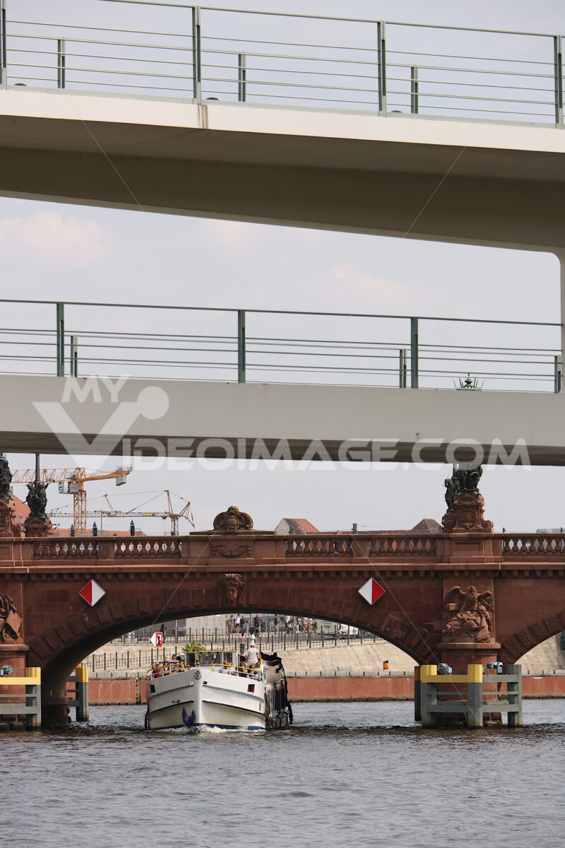 Berlin, Germany, 13 June 2018.  Ancient and modern bridges on th - MyVideoimage.com