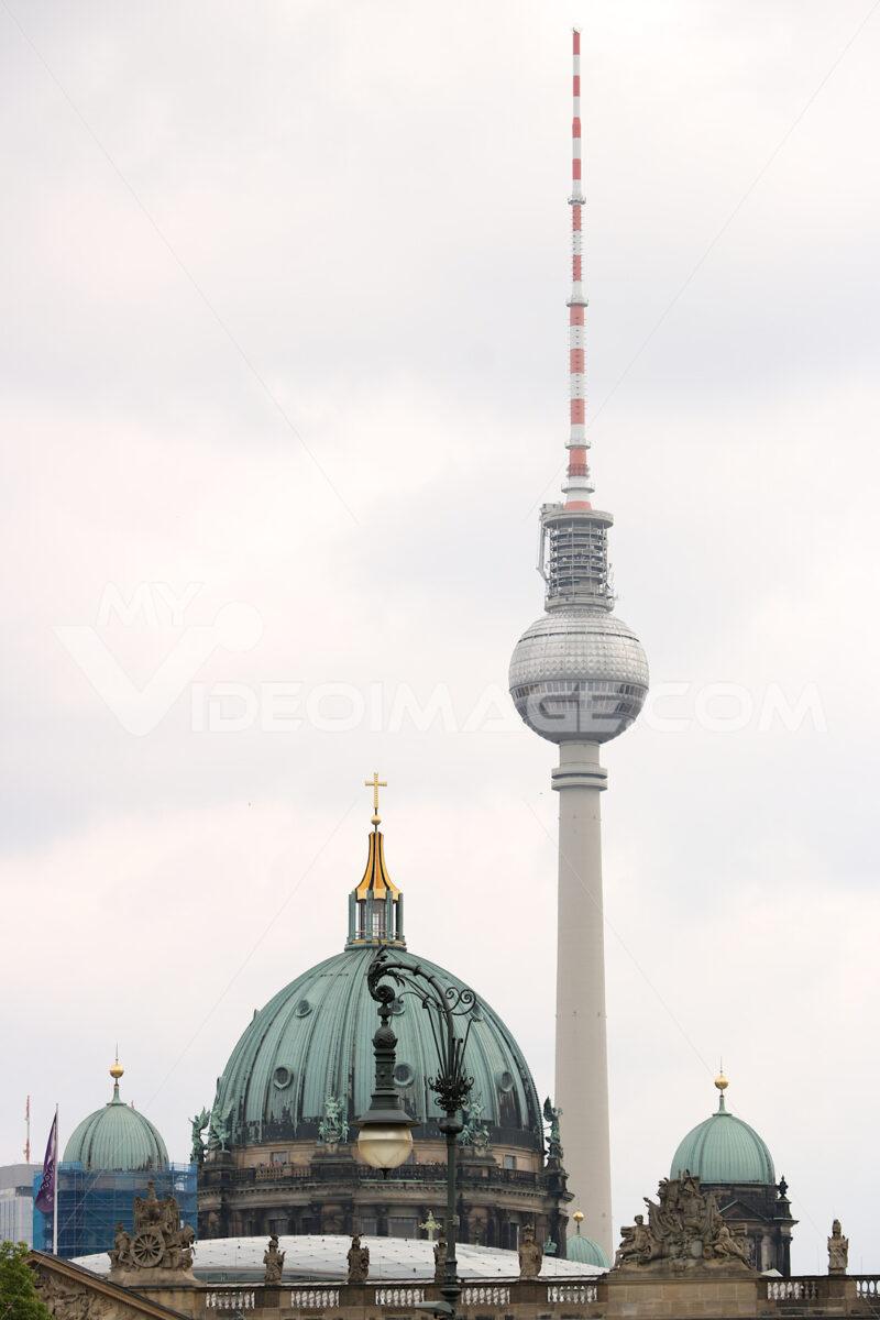 Berlin, Germany, 13 June 2018. The sphere of the Berlin television. Foto Berlino.