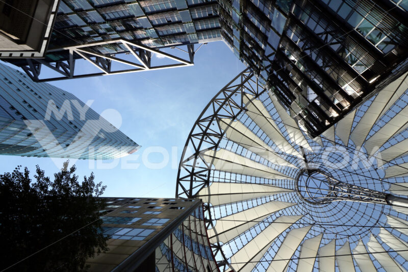 Berlin. 06/14/2018. Modern architecture of the Sony Center at Potsdamer Platz. Foto Berlino.