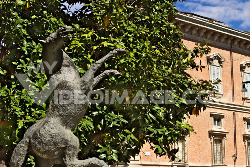 Brera Academy in Milan. Bronze sculpture by Aligi Sassu. - MyVideoimage.com