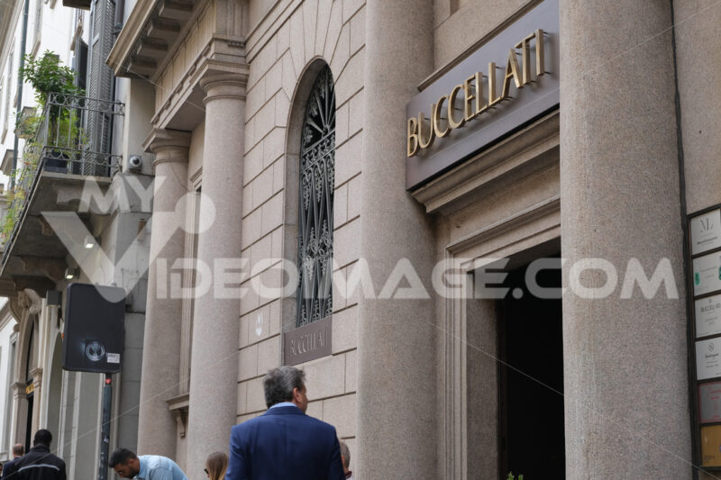 Buccellati boutique  with shop windows on Via Montenapoleone in - MyVideoimage.com
