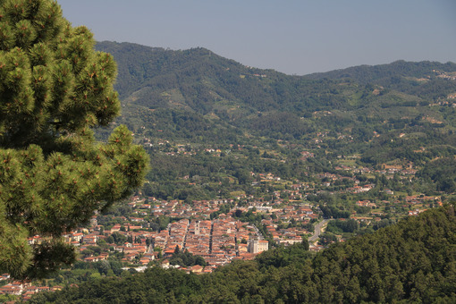 Camaiore in Versilia. The town is located between the beaches of Versilia and the Apuan Alps. - LEphotoart.com