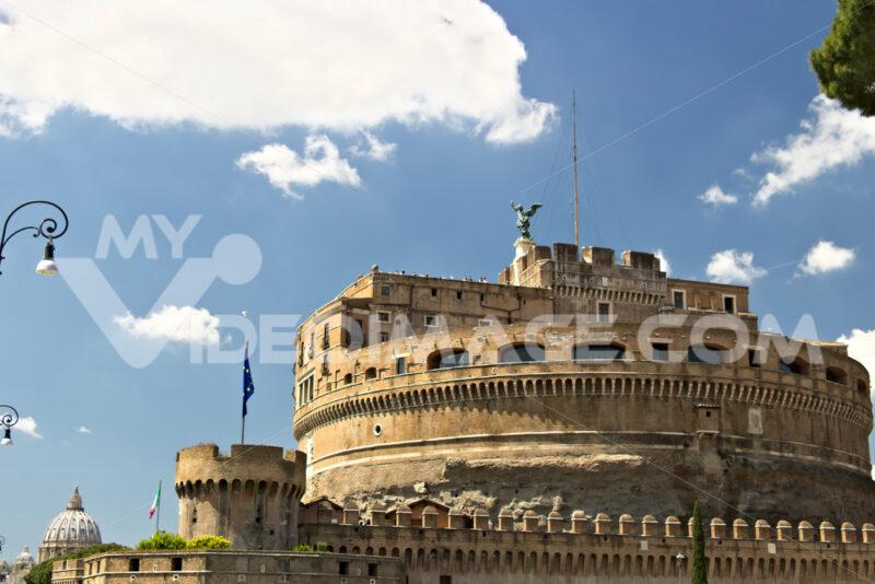 Castel Sant'Angelo with the European flag. - MyVideoimage.com