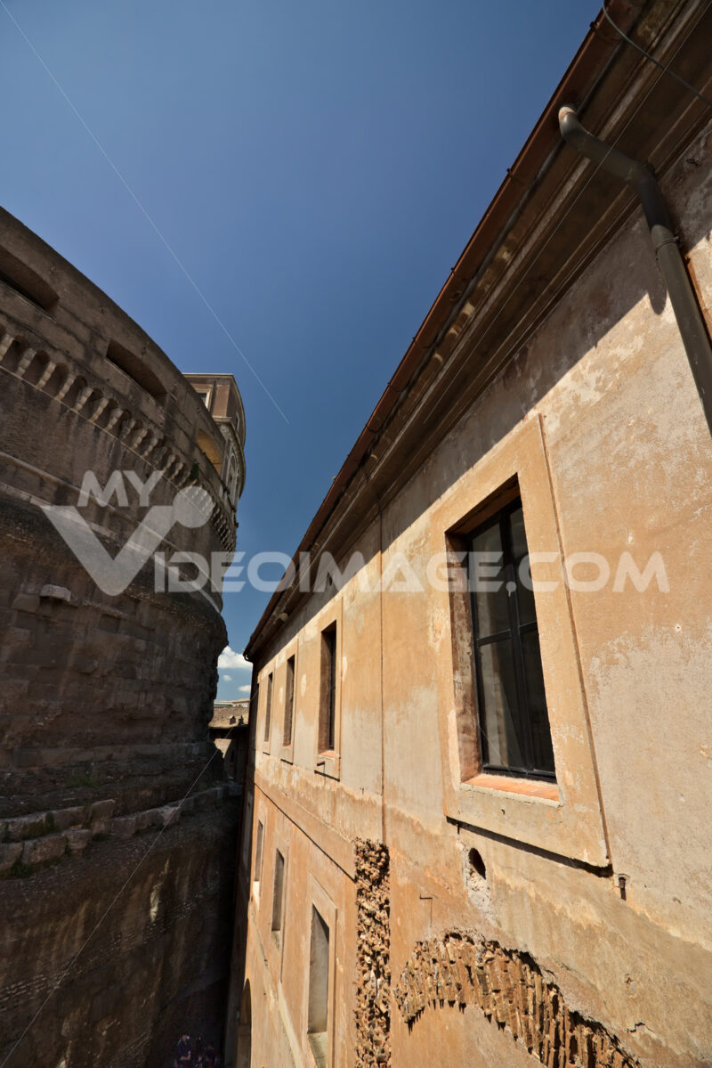 Castel Sant'angelo, courtyard of the shootings. - MyVideoimage.com