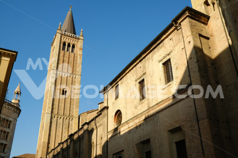 Cathedral of Parma Cathedral. Built in brick. Blue sky background. - MyVideoimage.com
