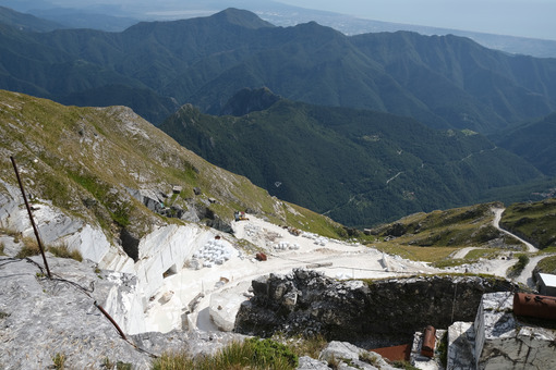 Cave del Corchia. White marble quarries on Monte Corchia. Stock photos. - MyVideoimage.com | Foto stock & Video footage