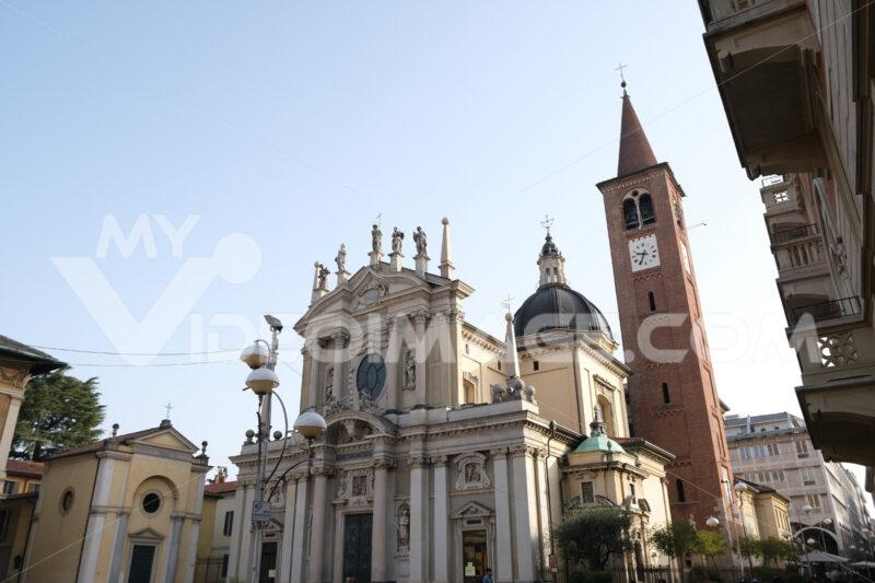 Chiesa Busto Arsizio. Church of San Giovanni Battista in Busto Arsizio. The church is located in Piazza San Giovanni - MyVideoimage.com | Foto stock & Video footage