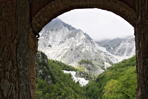 Colonnata quarries.  Mountains with the Carrara White Marble quarries seen from Colonnata. The ancient town of marble quarrymen is famous for the production of lard. Colonnata, Carrara, Tuscany, Italy. - MyVideoimage.com | Foto stock & Video footage