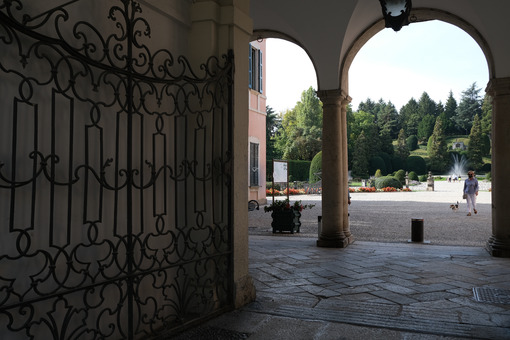 Comune di Varese. Este palace seat of the Varese municipality. Entrance gate and porch. - MyVideoimage.com   Foto stock & Video footage