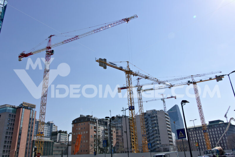 Construction site with numerous tower cranes. Photo stock royalty free. - LEphotoart.com