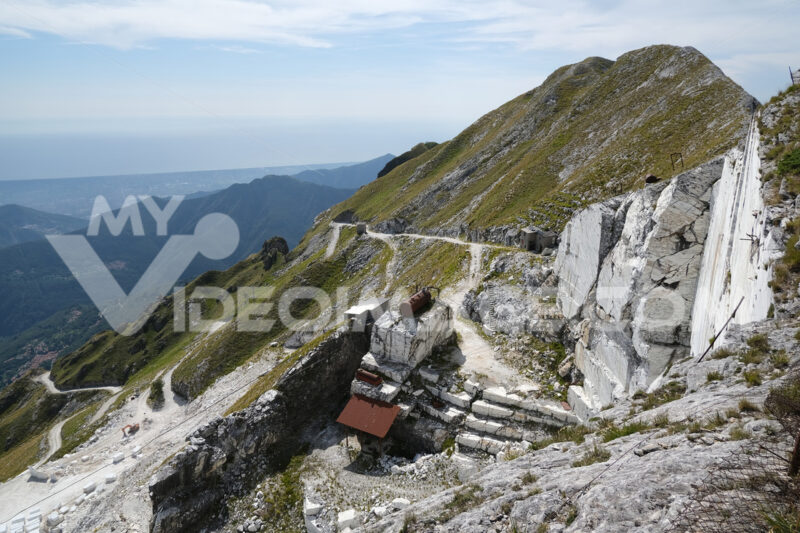 Corchia marble quarry. White marble quarries on Monte Corchia. Stock photos. - MyVideoimage.com   Foto stock & Video footage
