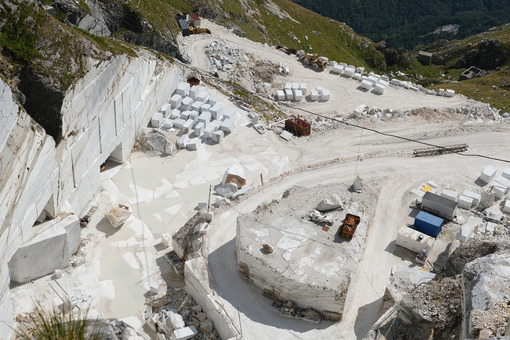 Corchia marble quarry. White marble quarries on Monte Corchia. Stock photos. - MyVideoimage.com | Foto stock & Video footage