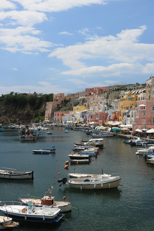 Corricella. Foto Procida Island near Naples. Port of Corricella frequented by fis - MyVideoimage.com | Foto stock & Video footage