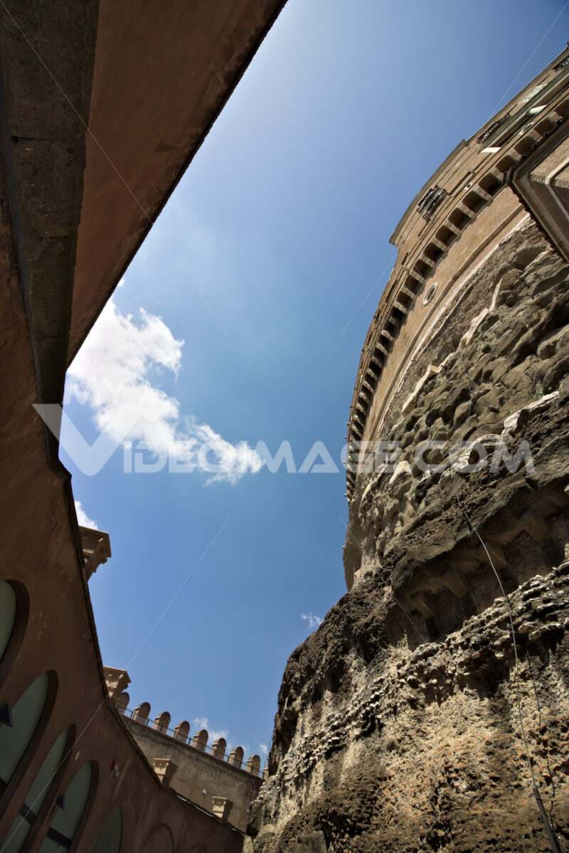 Courtyard in Castel Sant'Angelo. - MyVideoimage.com