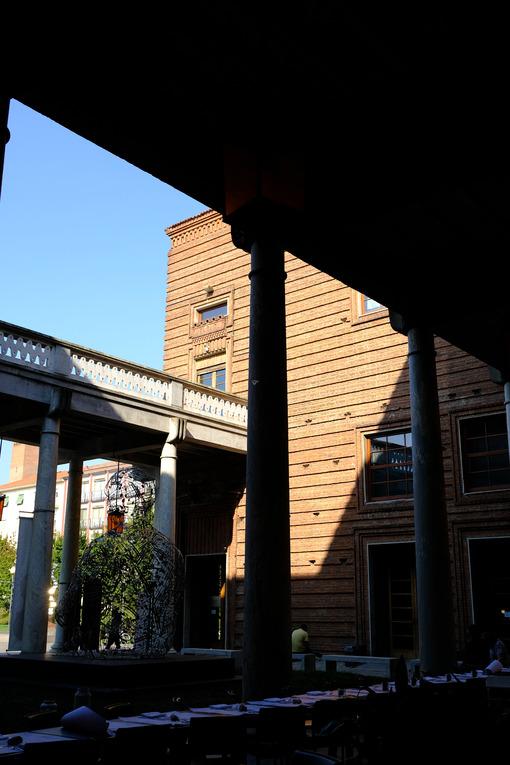 Cremona Violin Museum with arcade. - MyVideoimage.com | Foto stock & Video footage