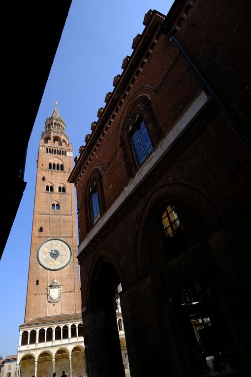 Cremona tower. Tower symbol of Cremona. Stock photos. - MyVideoimage.com | Foto stock & Video footage