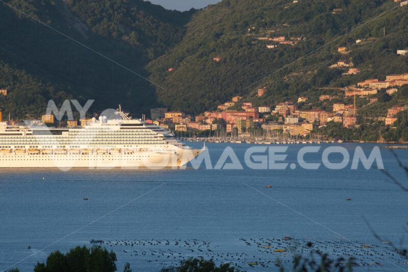Cruise ship Costa Fascinosa sails in the Gulf of La Spezia. - MyVideoimage.com | Foto stock & Video footage