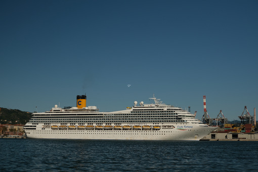 Cruise ship Costa Fortuna anchored at the Port of La Spezia in Liguria. Sky and blue sea background. Navi - LEphotoart.com