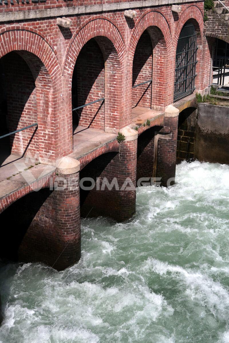 Dam along the canal - MyVideoimage.com