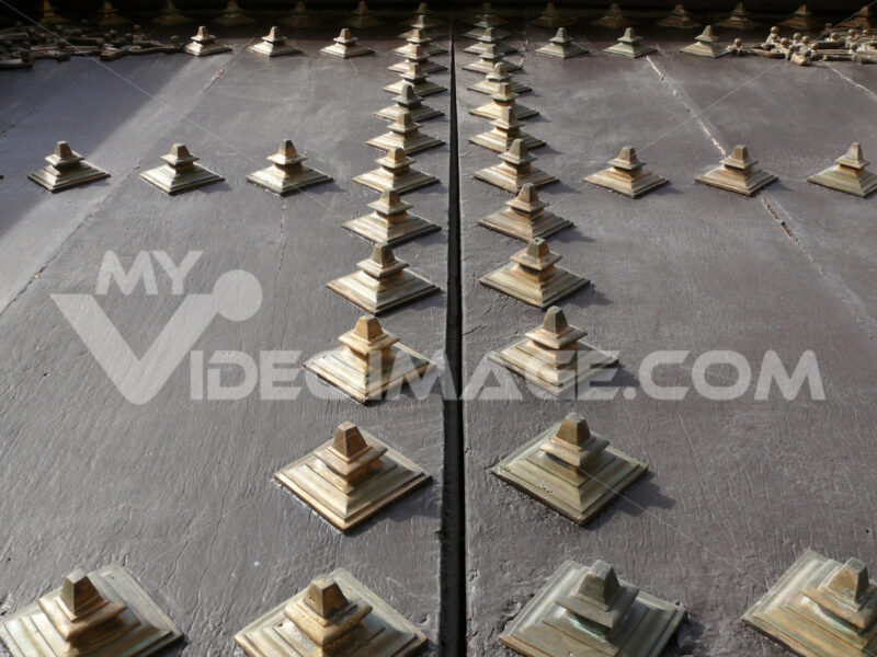Decorative brass studs - MyVideoimage.com