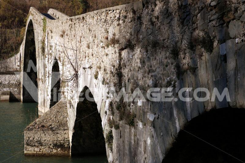 Devil's Bridge or Ponte della Maddalena. Lucca, Borgo a Mozzano. Toscana - MyVideoimage.com
