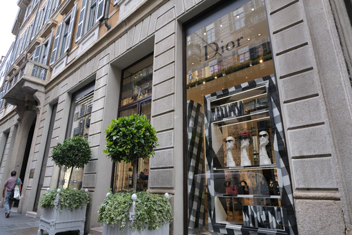 Dior Boutique with shop windows on Via Montenapoleone in Milan. - MyVideoimage.com