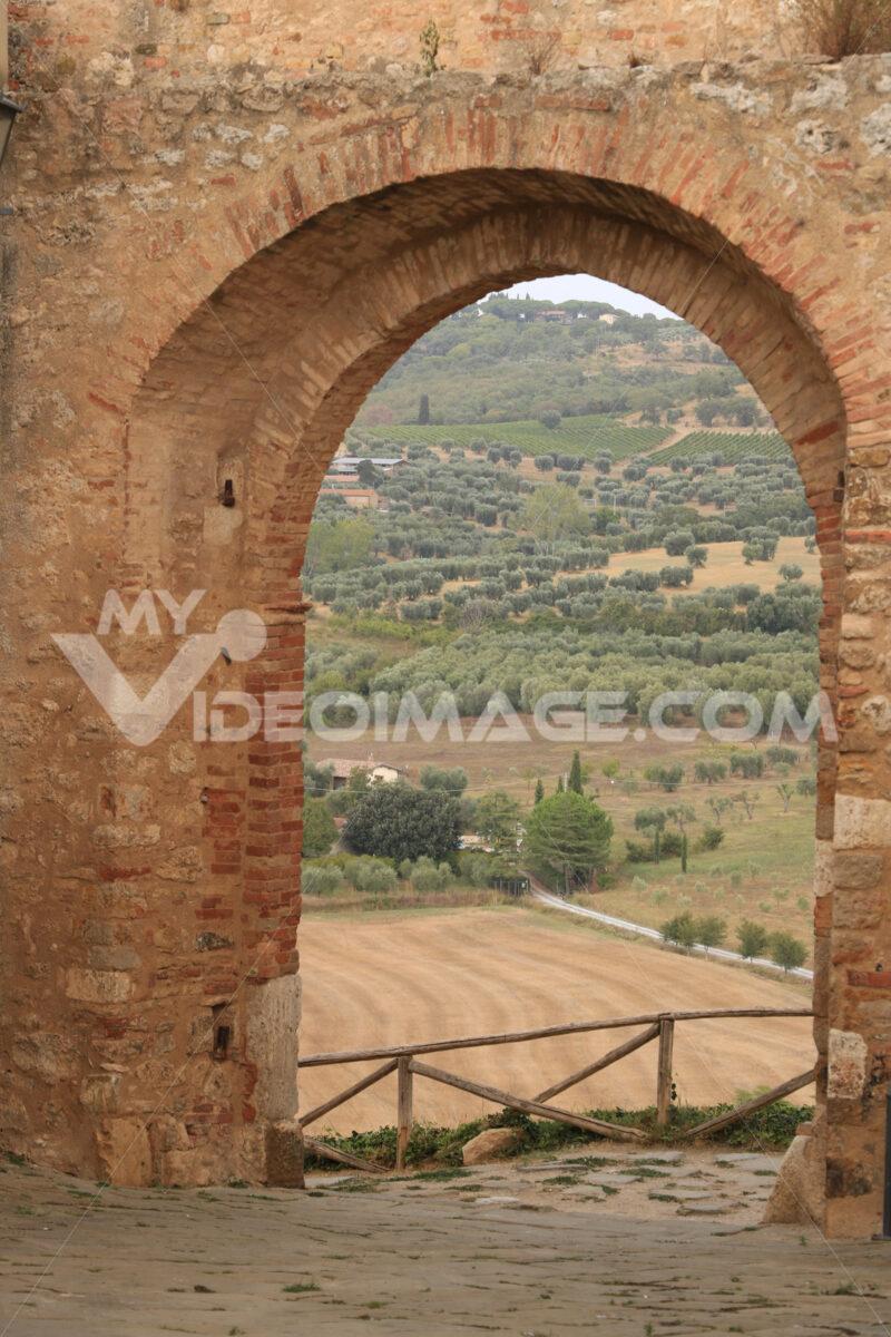 Door on the city walls of Magliano in Toscana (Maremma). In the - MyVideoimage.com