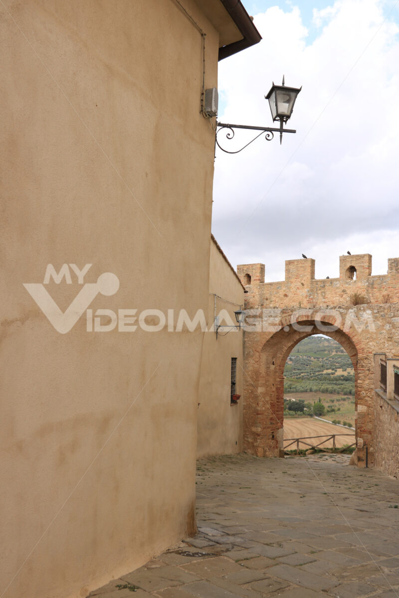 Door on the city walls of Magliano in Toscana (Maremma). In the - MyVideoimage.com