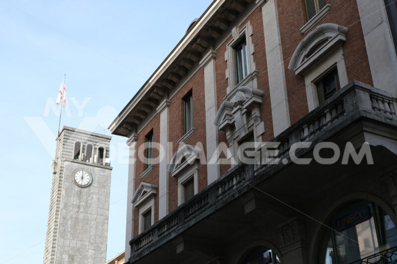 Edifici Varese. Civic Tower or Torre del Littorio, located in Piazza Monte Grappa. - MyVideoimage.com | Foto stock & Video footage