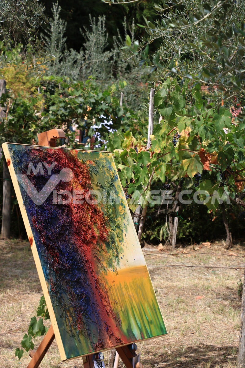 Exhibition of paintings in a picturesque garden of Panzano in Ch - MyVideoimage.com