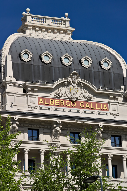 Facade of the Hotel Gallia in Milan, recently completely renovatef. Milano foto. Città italiane. Italian cities.