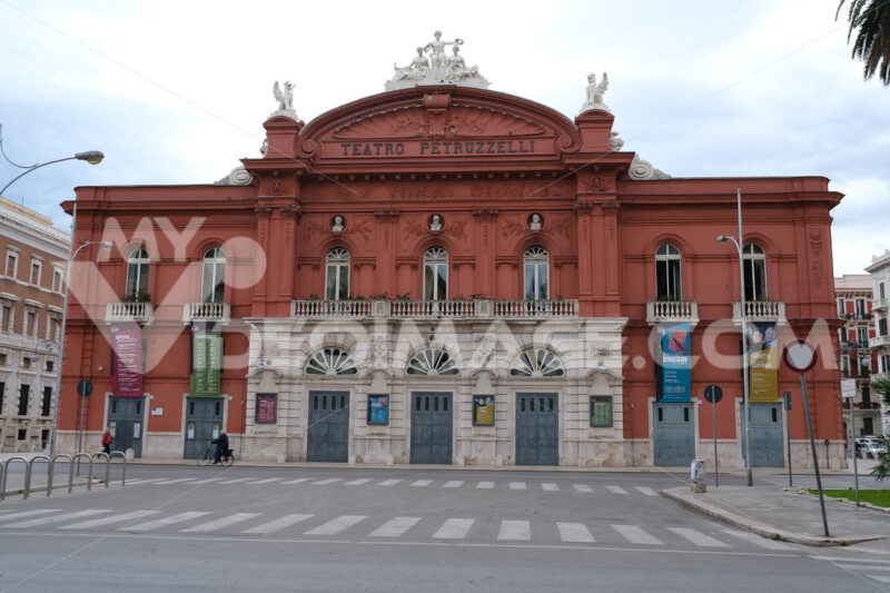Facade of the Petruzzelli theater in Bari. In 1991 the theater was damaged by arson. Foto Bari photo.