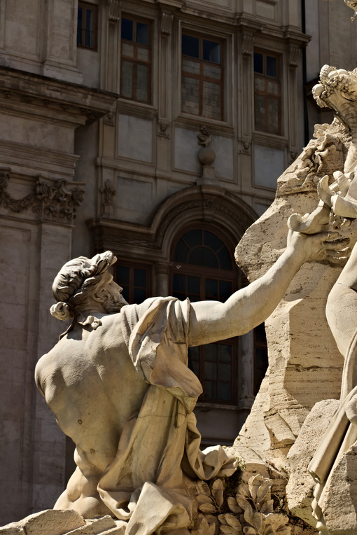 Fountain of the four rivers in Piazza Navona, Rome. Roma foto. - LEphotoart.com
