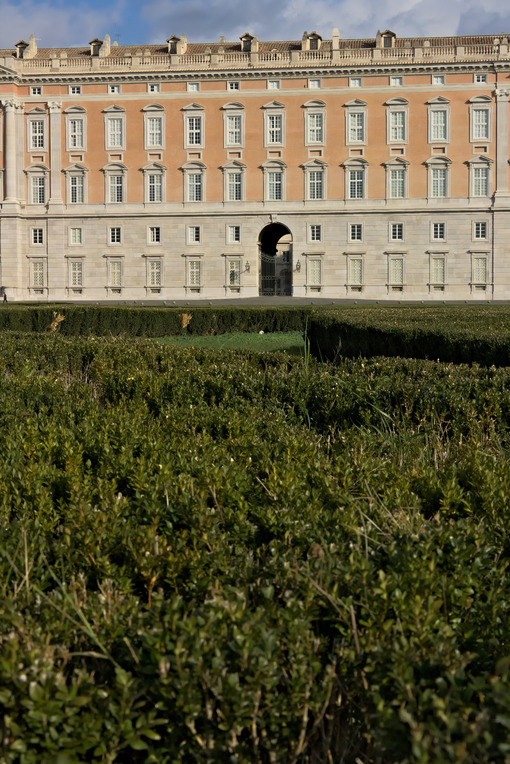 Garden in Caserta. Caserta, Italy. 27/10/2018. The external facade of the palace of Caserta. In the foreground the boxwood plants of the apio garden. - MyVideoimage.com | Foto stock & Video footage
