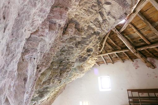 Garfagnana, Apuan Alps, Lucca, Tuscany. Italy. 08/28//2016. Hermitage of San Viviano - MyVideoimage.com | Foto stock & Video footage