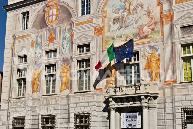 Genoa, Italy. 04/05/2019. Palace of San Giorgio - MyVideoimage.com   Foto stock & Video footage