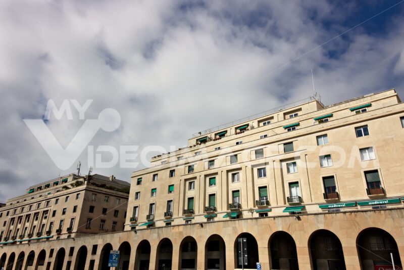 Genoa, Italy. 04/05/2019. Palaces of the fascist period. - MyVideoimage.com   Foto stock & Video footage