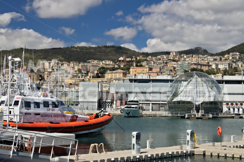 Genoa. Ancient port and aquarium. - MyVideoimage.com | Foto stock & Video footage