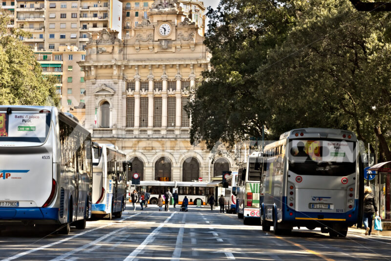 Genoa. Bus station and train station - MyVideoimage.com | Foto stock & Video footage