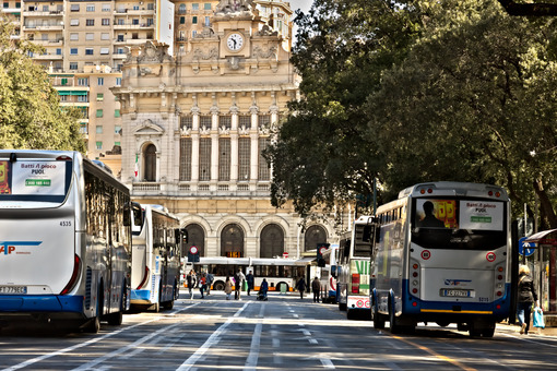 Genoa. Bus station and train station - MyVideoimage.com