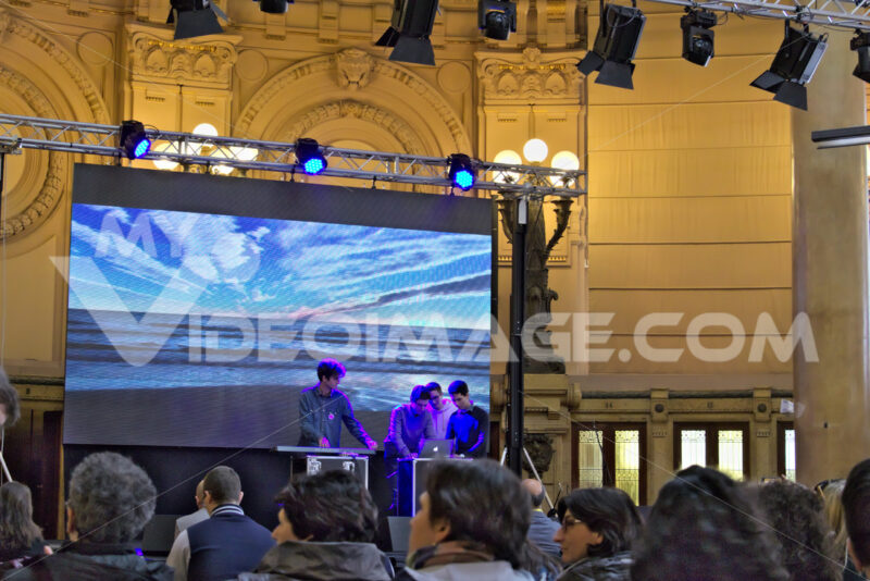 Genoa. Conference at the stock exchange building. - MyVideoimage.com | Foto stock & Video footage